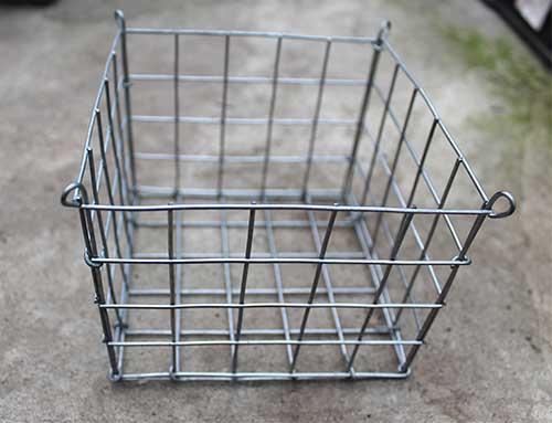 Корзина (ячейка 2,5х2,5 см) 5х5х4 (13х13х10 см) с подвесом