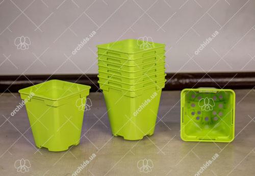 Вазон пластиковый квадратный 9x9x10 см