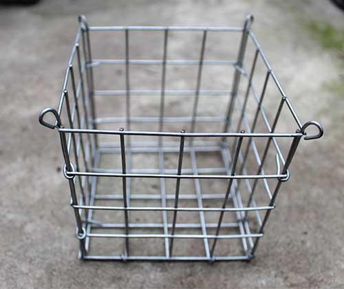 Корзина (ячейка 2,5х2,5 см) 4х4х4 (10х10х10 см) с подвесом