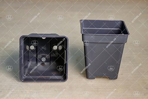Вазон пластиковый квадратный 8x8x9 см